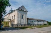 Великі Дедеркали - мурований костел (нині діюча церква Святого Миколая)